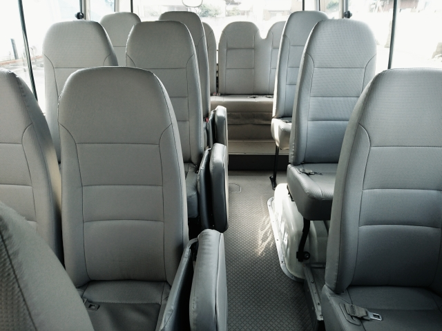 バス・タクシーの車内嘔吐(ゲロ)・タバコ・ジュースのシミ処理クリーニング 車ルーム・シートクリーニング滋賀・京都