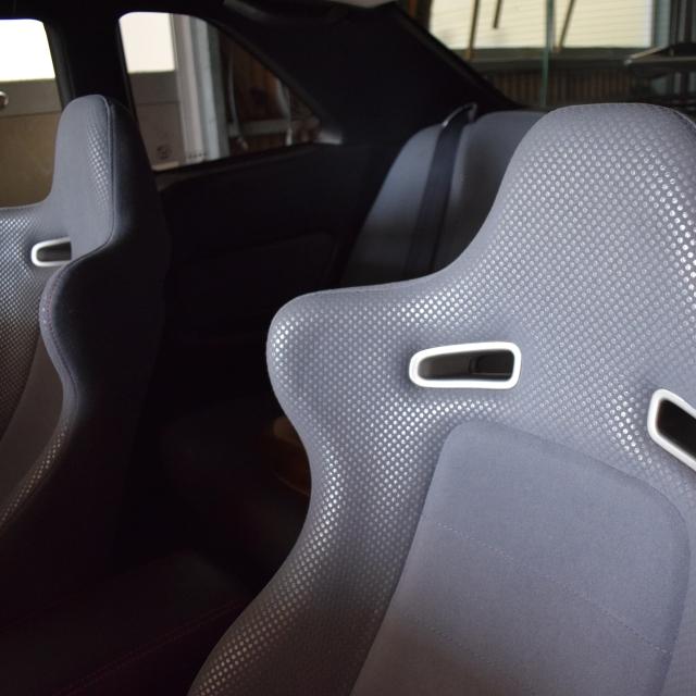 バケットシートの車内嘔吐(ゲロ)・タバコ・ジュースのシミ処理クリーニング 車ルーム・シートクリーニング滋賀・京都